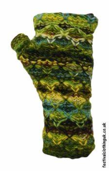 Wool-Wrist-Warmers-Criss-Cross-Green