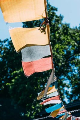 How-Do-I-Decorate-My-Tent-For-A-Festival-Flags