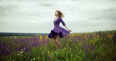 Can-I-wear-a-dress-to-a-music-festival-fields