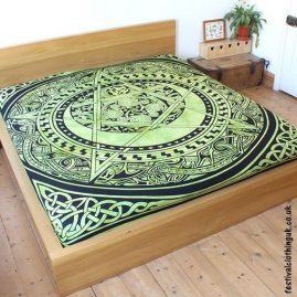 Dyed-Green-Pentagram-Festival-Throw